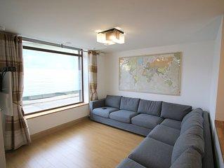 Modern spacious city centre apartment