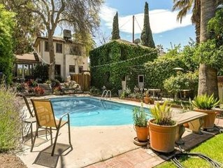 The Redlands Guesthouse: Romantic Retreat w/Pool/Hot Tub in Historic District