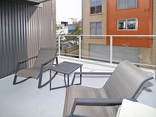 Central Hamilton Apartment on Vialou St - 3-level apartment on Vialou offers all