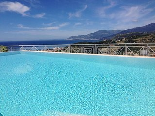 Villa di charme con piscina,splendida vista sul mare e Costa Azzurra. Wi-Fi free