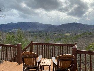 McDaniels Misty Blue ~ A Cozy & Quaint Home w/Exceptional Smoky  Mountain Views