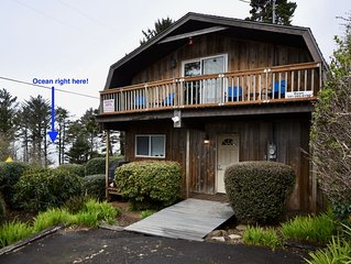Just steps from the beach & tidepools! Full kitchen.  Ocean Views.