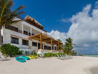LUXURY BEACHFRONT VILLA Includes 3 Pools, WiFi, Best Snorkeling & Kayaking