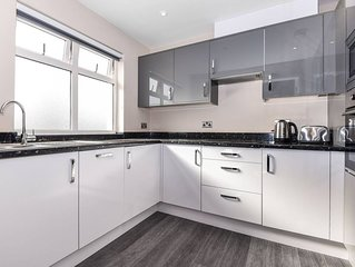 Magna House - Luxury Two Bedroom Apartment - Flat 4