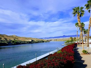 Riverfront Condo With Resort Like Amenities