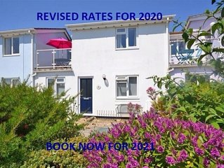 Lovely Mews Cottage. Close To Village & Beach, Sunny Garden.        .