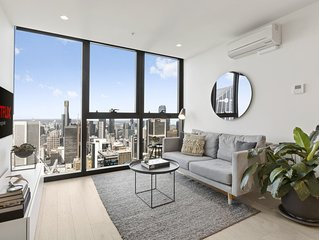 EQ Tower · Stylish Melbourne CBD Apartment with View of City Skyline