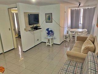 Apartamento dois quartos a duas quadras da Feirinha Artesanal da Beira Mar