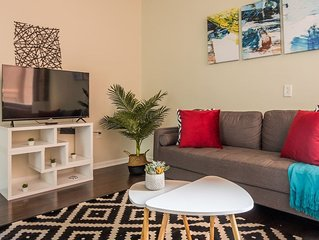 Arts + Culture at JR. 1br Suite Near Benedum Center