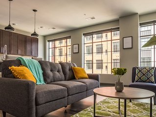 Open Loft w/ Balcony | Near Scioto River + Dining