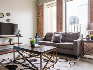 Contemporary Urban | Spacious 1BR * Arts + Culture
