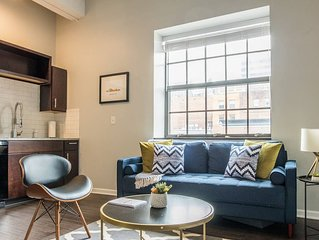 Cozy + Convenient 1BR Apt Near Barney Allis Plaza