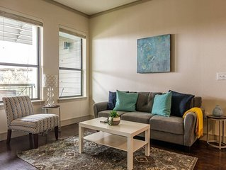 Walkable Downtown 2BR Apt