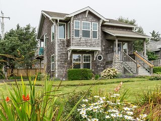 5 Star Home, 1 Block to Beach, Haystack Rock Views, 2 King Beds, Quiet Area!