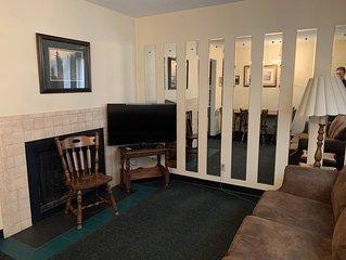One Bedroom Condo in the Heart of Gatlinburg (Unit 412)
