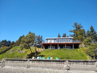 Beach Front, Views of Sound, Mt Rainier, Beach, Private Lot, Drive to the House