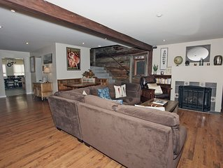 Luxurious Historic Home - Heart of Downtown Ouray - Pet Friendly