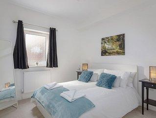Highview Court - sleeps 4 guests  in 1 bedroom