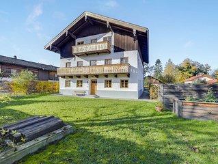 Charmante Ferienwohnung Kneissel mit Blick auf die Berge, WLAN, Garten,Terrasse