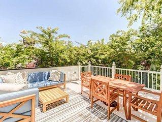 Luxury Oasis - 3 NEW Houses on 1 Property