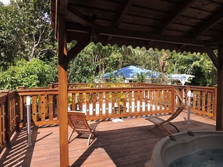 Gite de charme au calme avec jacuzzi, piscine et jardin tropical, 2 a 5 Pers.