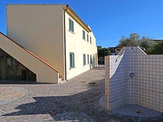 Appartemento 150mt dalla spiaggia Porto Ottiolu con ampio giardino