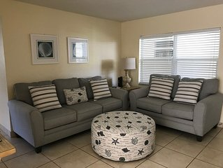 Condo (2br) walking distance to beach in Indian Harbour Beach near Melbourne, FL