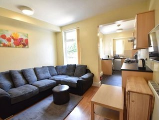 Relaxing Holiday Home in Sheffield near Botanical Garden
