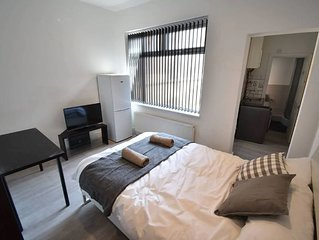 Cushy Apartment in Coventry near Coventry Market