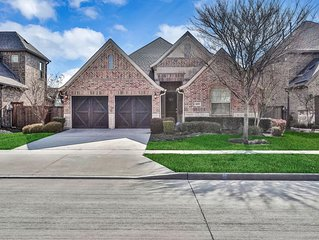 NEW LISTING! Frisco home w/ fireplace, backyard - close to Dallas North Tollway!