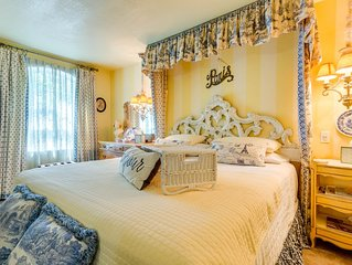 Luxury KING bed & WHIRLPOOL FOR TWO....2nd room with QUEEN BED