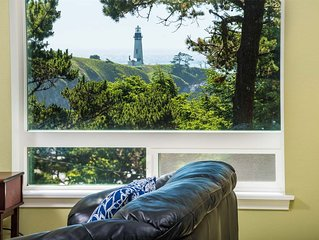 Gorgeous North Newport Home Overlooks Yaquina Lighthouse!