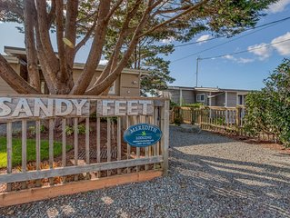 Adorable, Stylish Manzanita Haven is Two Blocks from the Beach!