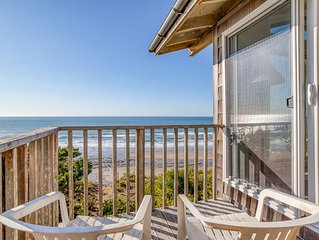 Convenient Location with Spectacular Views in Central Lincoln City