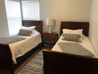 Beautiful condo with Intercostal views. Second floor. 2 bedroom /2 bath. .