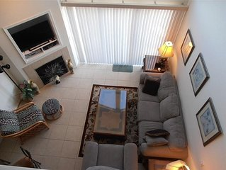 4 bed / 3 bath Lakeview Condo