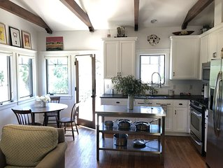 Charming Guest House near town of Ojai and hiking trails