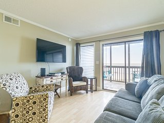 Beautiful Oceanfront Condo + FREE DAILY ACTIVITIES!