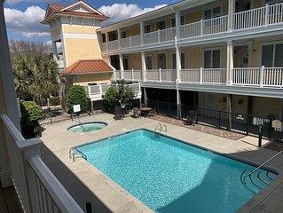 ~Carolina Tides~ Oak Island, Pool, Hot Tub, Beach View, Fishing Pier, Golf