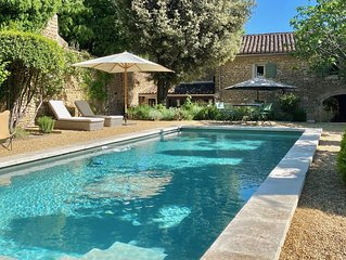 Stylish 18th century stone house with pool in quiet Gordes hamlet
