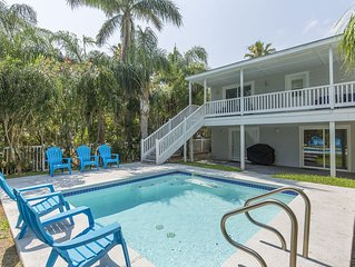 Gorgeous House with private pool! 1/2 block from beach!