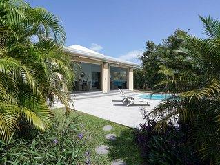 Très belle  villa contemporaine neuve de 80 m² à 150 m du lagon.....