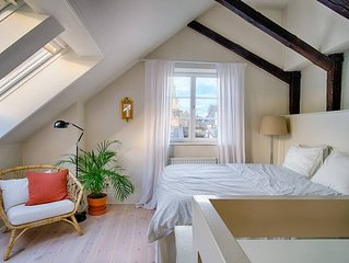 Charming Penthouse in central Old Town