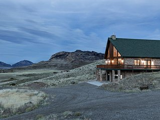 Located in the Heart of Yellowstone Country that accommodates 14 guests!
