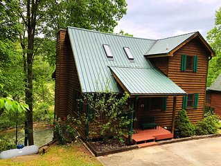 Dock on the River!  Pool table.  WiFi. Pet friendly.  Fire Pit.