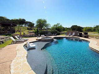Quiet Luxury Retreat central to Dripping Springs with Private Pool