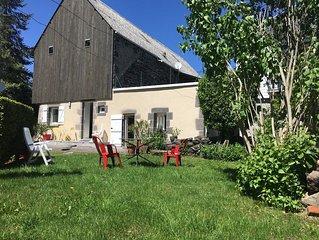 gîte fermette maison indépendante  rénovée 2 personnes à MUROL au coeur du Sancy