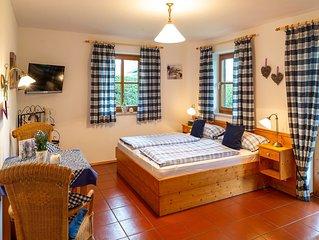 Lavendel-Appartement, 26 qm Erdgeschoss, kombinierter Wohn- und Schlafraum