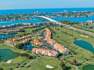 Beautiful and Specious 2 Bed/2Bath Condo! Minutes to the Beach!!