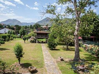 Casa con jardín, céntrica y tranquila, en Cangas de Onís